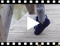 Video from Inglesini bambini scamosciati